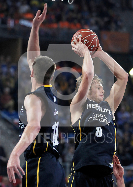Herbalife Gran Canaria's Spencer Nelson (l) and Brad Newley during Spanish Basketball King's Cup semifinal match.February 07,2013. (ALTERPHOTOS/Acero)