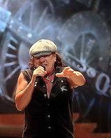 Tuesday, January 13, 2009--Brian Johnson, of AC/DC, performs at the Scottrade Center..Sarah Conard | freelance