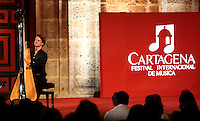 CARTAGENA-COLOMBIA-08-01-2013.  Xavier de Maistre en el arpa se presentan en la Plaza de San pedro  en el VII Festival Internacional de Musica de Cartagena. Xavier de Maistre at the harp are presented in St. Peter's Square at the VII International Music Festival of Cartagena (Photo: VizzorImage)....
