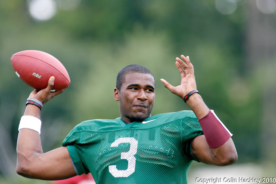 TALLAHASSEE, FL 8/11/10-FSU-081110 CH-Florida State's quarterback EJ Manuel throws during practice Wednesday in Tallahassee. .COLIN HACKLEY PHOTO