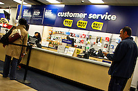 People buy products inside of one Best Buy store in Manhattan. Best Buy will Management discusses Q4 results on thursday in New York, United States. 28/03/2012.  Photo by Eduardo Munoz Alvarez / VIEWpress.