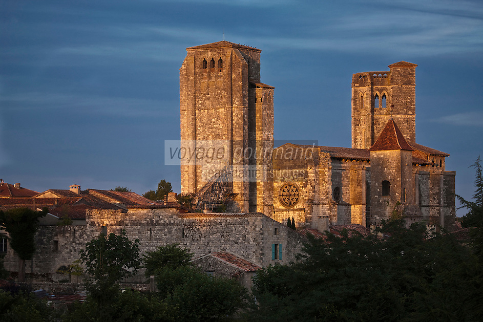 Europe/France/Midi-Pyrénées/32/Gers/La Romieu: L'ensemble Collégial dans la lumière du soir -Patrimoine Mondial UNESCO
