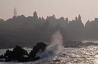Europe/France/Bretagne/29/Finistère/Ile d'Ouessant: Côte rocheuse et env. phare de Creac'h