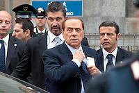 Silvio Berlusconi all'ingresso in tribunale. Processo Mediatrade. Milano, 2 maggio, 2011...<br /> Silvio Berlusconi in front of the lawcort entrance. Mediatrade Trail. Milan, May 2, 2011.