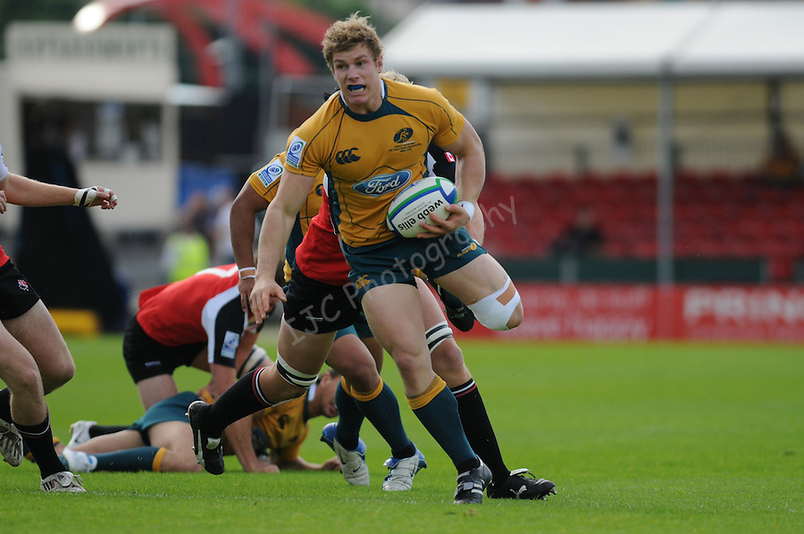 Dane Haylett-Petty breaks for Australia. Australia U20 V Canada U20. Junior Rugby World Cup 2008 © Ian Cook IJC Photography iancook@ijcphotography.co.uk www.ijcphotography.co.uk..
