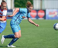Famkes Westhoek Merkem Diksmuide - Club Brugge Dames A :  Laura Delheye (r)<br /> Foto David Catry | VDB | Bart Vandenbroucke