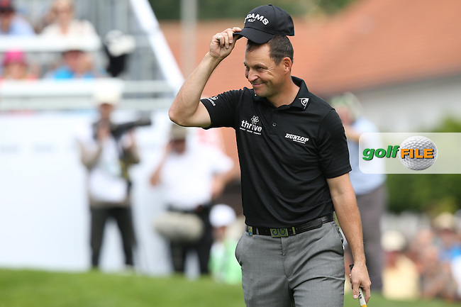 David Howell (ENG) entertaining the crowds as usual during Round Two of the 2015 BMW International Open at Golfclub Munchen Eichenried, Eichenried, Munich, Germany. 26/06/2015. Picture David Lloyd | www.golffile.ie