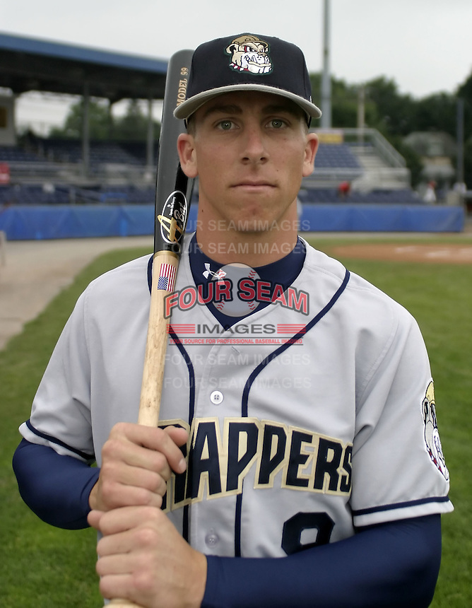July 26, 2004:  Shortstop Brian Finegan of the Mahoning Valley Scrappers, Short-Season Low-A NY-Penn League affiliate of the Cleveland Indians, during a game at Dwyer Stadium in Batavia, NY.  Photo by:  Mike Janes/Four Seam Images