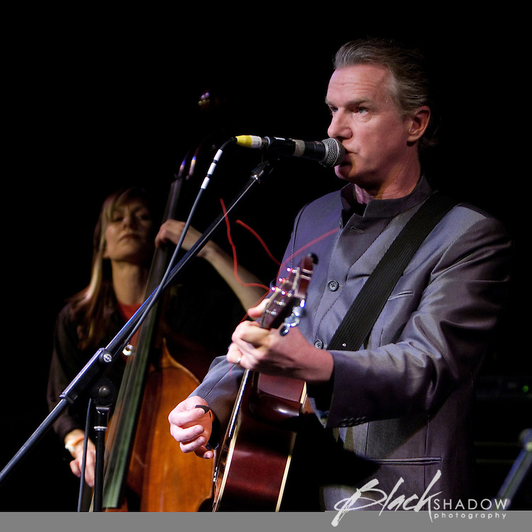 Mick Harvey and Rosie Westbrook performing at the Winterlong Benefit Concert for the Sophia Mundie Steiner School, held at the Thornbury Theatre, 30 August 2009.