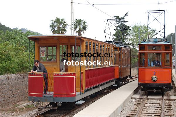 Tramway between S&oacute;ller and Puerto de S&oacute;ller<br /> <br /> Tranv&iacute;a entre S&oacute;ller y Puerto de S&oacute;ller<br /> <br /> Stra&szlig;enbahn zwischen S&oacute;ller und Puerto de S&oacute;ller<br /> <br /> 3008 x 2000 px