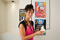 A Savignano sul Rubicone (Rimini),ice dog, il primo gelato studiato e prodotto per cani.