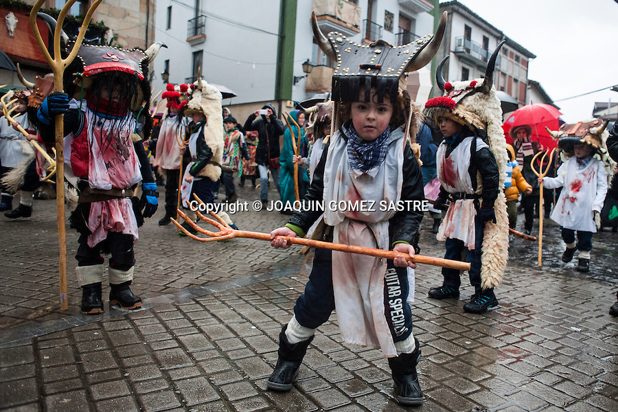 Children with costumes Momotxorros also participate in the carnival of Alsasua.