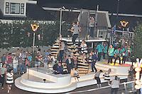 """CULTUUR: SINT NYK: 05-09-2013, Allegorische Optocht, """"JAILHOUSE ROCK LIVE"""" (Buurtvereniging Bouwen Houtring), ©foto Martin de Jong"""