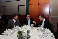 ATENÇÃO EDITOR: FOTO EMBARGADA PARA VEÍCULOS INTERNACIONAIS. SAO PAULO, SP, 03 DE DEZEMBRO DE 2012.. SEMINARIO - VALOR OS NOVOS VENTOS DNA POLITICA BRASILEIRA.  O governador de Pernambuco, Eduardo Campos (D), o prefeito do Rio de Janeiro, Eduardo Paes (C) e o prefeito eleito de São Paulo, Fernando Haddad (E), durante o seminario Novos ventos na politica brasileira promovido pelo jornal Valor Econômico onde foram discutidos os novos rumos da política brasileira, na tarde desta segunda feira, no WTC, na zona sul da capital paulista. FOTO ADRIANA SPACA / BRAZIL PHOTO PRESS
