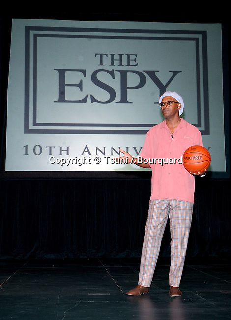 Samuel L. Jackson returns to Anchor the ESPY Awards at the Kodak Theatre in Los Angeles. April 9, 2002.           -            JacksonSamuel.L@ESPY02.jpg