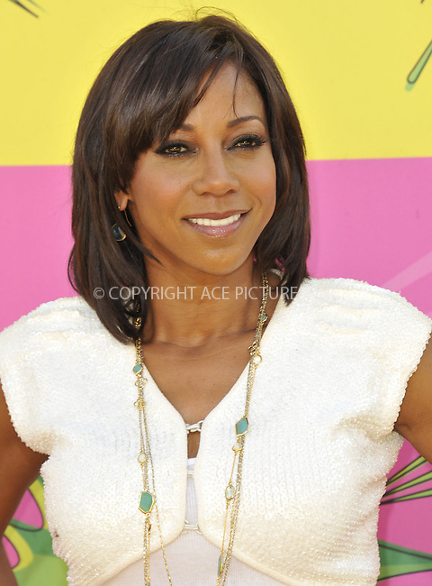WWW.ACEPIXS.COM....March 23 2013, LA....Holly Robinson Peete arriving at the Nickelodeon's 26th Annual Kids' Choice Awards at USC Galen Center on March 23, 2013 in Los Angeles, California.......By Line: Peter West/ACE Pictures......ACE Pictures, Inc...tel: 646 769 0430..Email: info@acepixs.com..www.acepixs.com