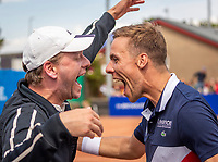 Zandvoort, Netherlands, 9 June, 2019, Tennis, Play-Offs Competition, Scott Griekspoor and his coach Raoul Snijders celebrate their win<br /> Photo: Henk Koster/tennisimages.com