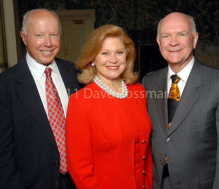 From left: Dan and Jan Duncan with Dr. James Pool at the Baylor College of Medicine Center for Cardiovascular Disease Prevention dinner at the River Oaks Country Club Thursday Sept. 24,2009.(Dave Rossman/For the Chronicle)