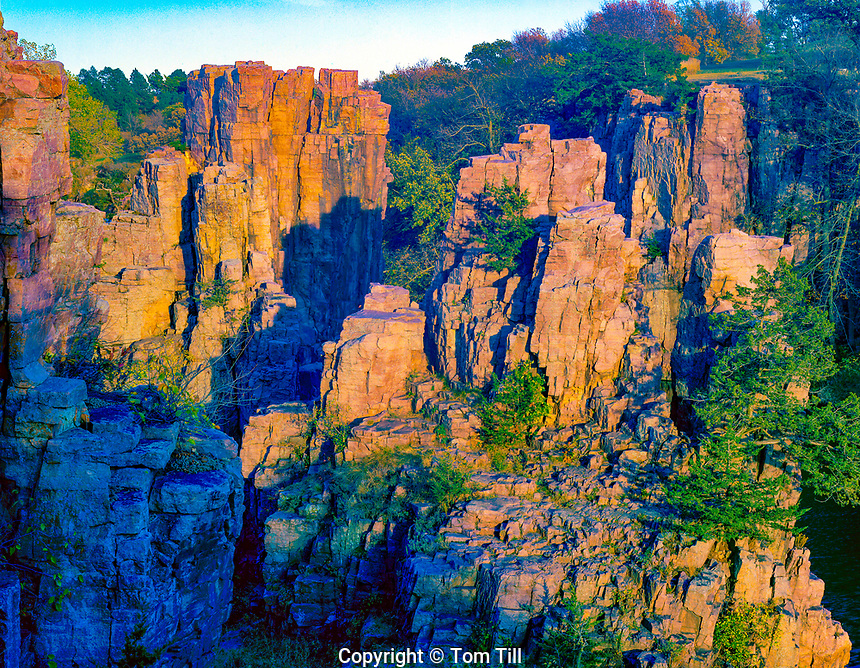 Sioux Qyarttzite formations, Palisades, State Park, South Dakota, Along Big Sioux River Near Sioux Falls