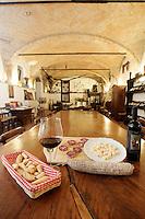 Grissini, vno, salumi e formaggi nell'agriturismo Cascina del Monastero, ad Annunziata, frazione di La Morra, in Piemonte.<br /> Breadsticks, wine, salami and cheese in the Cascina del Monastero farm holidays in Annunziata, frazione di La Morra, Piedmont.<br /> UPDATE IMAGES PRESS/Riccardo De Luca