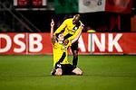 Nederland, Alkmaar, 5 maart 2009..KNVB Beker.Seizoen 2008-2009.AZ-NAC (1-2).Nourdin Boukhari van NAC juicht na het maken van de 1-1 en wordt gefeliciteerd door Ellery Cairo