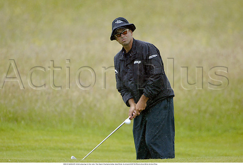 ROCCO MEDIATE (USA) playing in the rain. The Open Championship, Muirfield, Scotland 020720 Photo:Glyn Kirk/Action Plus...Golf.2002.wet weather bad raining
