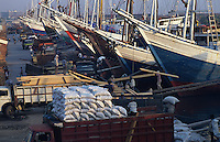 Loading of foodstuffs for export (wheat)