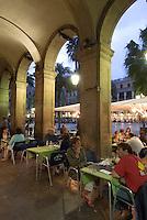 Spanien, Barcelona, Restaurant an der Placa Reial
