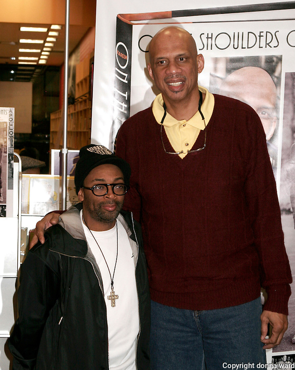 "NEW YORK - JANUARY 30: Filmmaker Spike Lee and basketball legend Kareem-Abdul Jabar pose before signing ""On The Shoulders of Giants"" at Borders Bookstore in midtown on January 30, 2007 in New York City."