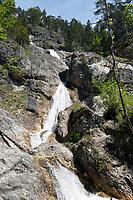 Deutschland, Bayern, Oberbayern, Berchtesgadener Land, Berchtesgaden: <br /> Sulzer-Wasserfall am Ende der Almbachklamm  | Germany, Upper Bavaria, Berchtesgadener Land, Berchtesgaden: Sulzer waterfall at end of gorge Almbachklamm