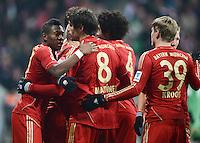FUSSBALL   1. BUNDESLIGA  SAISON 2012/2013   21. Spieltag  FC Bayern Muenchen - FC Schalke 04                     09.02.2013 Torjubel: David Alaba, Javi Martinez und Toni Kroos (v.l., alle FC Bayern Muenchen)