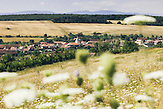 Blick von einem Huegel auf Rusciori / Reußdoerfchen. Europa, Rumaenien, Rusciori den 29. Juli 2015