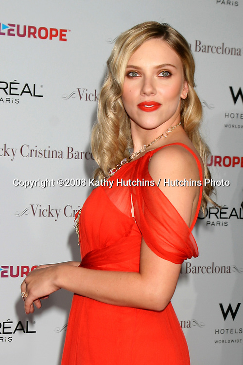 "Scarlett Johansson arriving at the LA Premiere of ""Vicky Cristina Barcelona"" at the Village Theater in Westwood, CA.August 4, 2008.©2008 Kathy Hutchins / Hutchins Photo"
