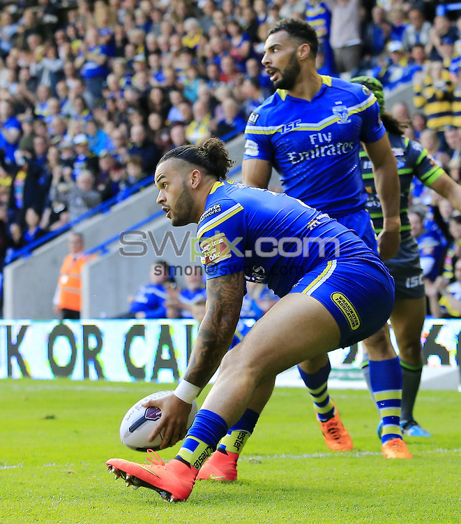 Picture by Chris Mangnall/SWpix.com - 27/05/2016 - Rugby League - First Utility Super League - Warrington Wolves v Leeds Rhinos - Halliwell Jones Stadium, Warrington, England -<br />