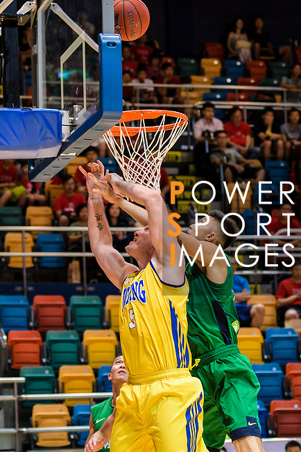 Hosford Ian Daniel #5 of Winling Basketball Club fight for the rebound against Tycoon during the Hong Kong Basketball League playoff game between Winling and Tycoon at Queen Elizabeth Stadium on July 24, 2018 in Hong Kong. Photo by Marcio Rodrigo Machado / Power Sport Images