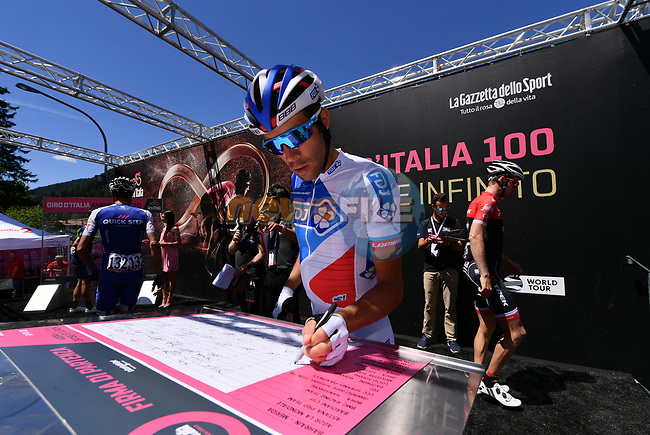 Thibaut Pinot (FRA) FDJ at sign on before the start of Stage 18 of the 100th edition of the Giro d'Italia 2017, running 137km from Moena to Ortisei/St. Ulrich, Italy. 25th May 2017.<br /> Picture: LaPresse/Gian Mattia D'Alberto | Cyclefile<br /> <br /> <br /> All photos usage must carry mandatory copyright credit (&copy; Cyclefile | LaPresse/Gian Mattia D'Alberto)