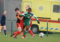 U17 : Belgian Red Flames - Nigeria <br /> <br /> Rasheedat Ajibade (R) is steviger in het duel dan Isabelle Iliano (R)<br /> <br /> foto Dirk Vuylsteke / Nikonpro.be