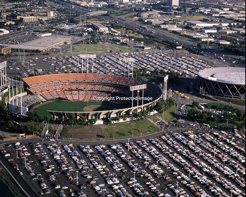Oakland-Alameda County Coliseum and arena.<br />(1989 photo/Ron Riesterer)
