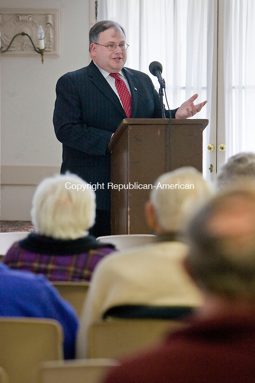 SOUTHBURY, CT - 02 MARCH 2010 -030210JT02--<br /> Jerry Farrell, Jr., commissioner of the State Department of Consumer Protection, speaks during a forum about how senior citizens can avoid being scammed by people posing as Census takers on Tuesday at Heritage Village.<br /> Josalee Thrift Republican-American