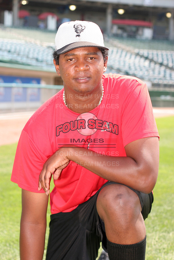 Lansing Lugnuts Yesson Berroa poses for a photo before a Midwest League game at Oldsmobile Park on July 13, 2006 in Lansing, Michigan.  (Mike Janes/Four Seam Images)