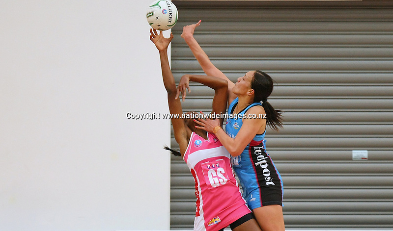 Steel's Rachel Rasmussen, right, and Thunderbird's Carla Borrego contest the ball in the ANZ Championship netball match, Edgar Centre, Dunedin, New Zealand, Saturday, April 06, 2013. Credit:NINZ/Dianne Manson