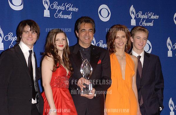 LtoR: JASON RITTER, AMBER TAMBLYN, JOE MANTEGNA, MARY STEENBURGEN & MICHAEL WELCH at the 30th Annual People's Choice Awards in Pasadena, CA..January 11, 2004