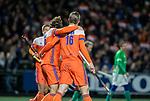 AMSTELVEEN - Mirco Pruyser (Ned) heeften stand op 1-0 gebracht , links Bob de Voogd (Ned)   tijdens de hockeyinterland Nederland-Ierland (7-1) , naar aanloop van het WK hockey in India.  COPYRIGHT KOEN SUYK
