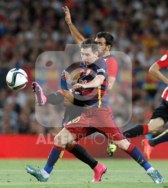 FC Barcelona's Leo Messi (r) and Athletic de Bilbao's Mikel Balenziaga during Supercup of Spain 2nd match.August 17,2015. (ALTERPHOTOS/Acero)