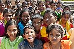 Schulkinder in Hampi, Karnataka, Indien