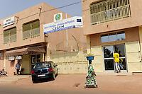 MALI, Bamako , CIGEM a European Union financed center for refugees and migration / CIGEM von der EU finanzierte Beratungsstelle fuer Migration , beraet Migranten und klaert ueber Gefahren von illegaler Migration auf