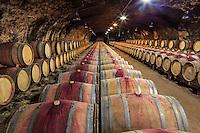 France, Rhône (69), région du Beaujolais, Chénas, la cave du château de Chénas // France, Rhone, Beaujolais region, Chenas, Castle Chenas, wine cellar