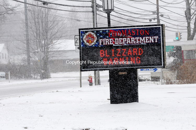 PLYMOUTH CT, 09 FEB 13-020913AJ01-  The Thomaston Fire Department, using their new LED sign installed over the summer, warns drivers of the weather on Friday.   Alec Johnson/ Republican-American