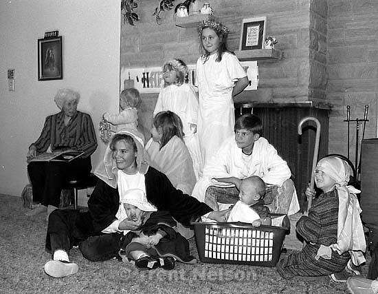 Betty Rae Watts, Clark, Jensen, Ovard, Nelson at family Christmas party.<br />