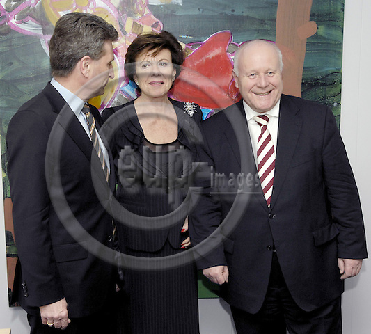 Brussels-Belgium - 27 Feburary 2008---Neelie KROES (ce), European Commissioner in charge of Competition, receives Günther (Gunther, Guenther) OETTINGER (le), Minister-President of Baden-Württemberg (Wuerttemberg) and Georg MILBRADT (ri), Minister-President of Sachsen---Photo: Horst Wagner / eup-images